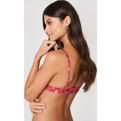 NA-KD Swimwear Góra bikini Rose - Multicolor. Czerwone bikini marki DOMYOS, z elastanu. Za 19,95 zł.