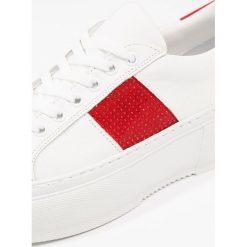 Trampki damskie slip on: Bronx Tenisówki i Trampki white/red