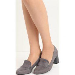 Szare Czółenka Promenade. Szare buty ślubne damskie Born2be, w paski, z okrągłym noskiem, na niskim obcasie, na słupku. Za 69,99 zł.
