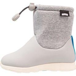 Native RANGER Śniegowce pigeon grey/bone white. Szare buty zimowe chłopięce Native, z materiału. W wyprzedaży za 220,35 zł.