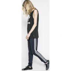 Adidas Performance - Legginsy. Szare legginsy sportowe damskie marki adidas Performance, l, z dzianiny, climalite (adidas). W wyprzedaży za 139,90 zł.