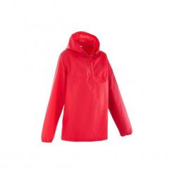 Kurtka przeciwdeszczowa turystyczna Raincut damska. Czerwone kurtki damskie przeciwdeszczowe marki TRIBORD, z materiału. Za 34,99 zł.