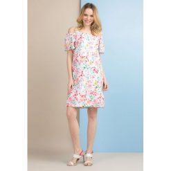Sukienki: Kolorowa sukienka z odkrytymi ramionami