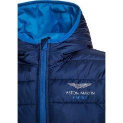 Hackett London ASTON MARTIN RACING Kurtka przejściowa navy. Niebieskie kurtki chłopięce przejściowe marki Hackett London, z materiału. W wyprzedaży za 467,35 zł.