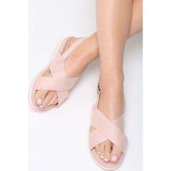 Różowe Sandały Righteous. Czerwone sandały damskie marki Born2be, z materiału, na obcasie. Za 69,99 zł.