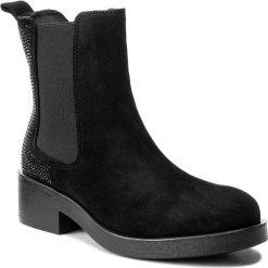 Sztyblety GUESS - Morna FLMNA4 SUE10 BLACK. Czarne buty zimowe damskie marki Guess, z materiału. W wyprzedaży za 369,00 zł.