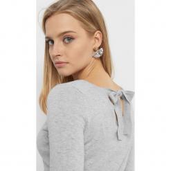 Lekki sweter z wiązaniem. Żółte swetry klasyczne damskie marki Orsay, s, z bawełny, z golfem. Za 59,99 zł.