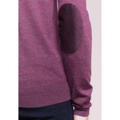 Hackett London FINE Sweter burgundy. Czerwone swetry klasyczne męskie marki Hackett London, m, z materiału. W wyprzedaży za 468,30 zł.