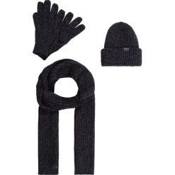 GStar XEMY GIFTPACK SET Szal dark black/shadow/carbon. Białe szaliki męskie marki G-Star, z nadrukiem. Za 399,00 zł.