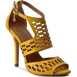 Rzymianki damskie: Sandały KAZAR – Leticia 23942-01-08 Żółty