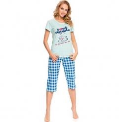 Piżama w kolorze miętowo-biało-niebieskim - t-shirt, spodnie. Białe piżamy damskie Doctor Nap, s, w kratkę. W wyprzedaży za 64,95 zł.