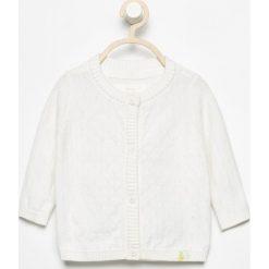 Swetry rozpinane damskie: Biały rozpinany sweter - Kremowy