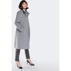 Płaszcz damski 87-9W-100-8. Szare płaszcze damskie marki QUIOSQUE, uniwersalny, w paski, eleganckie. Za 699,00 zł.