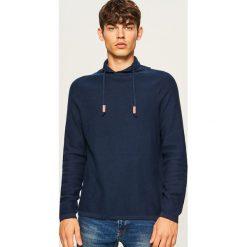 Sweter z wysokim kołnierzem - Granatowy. Białe swetry klasyczne męskie marki Reserved, l. Za 99,99 zł.