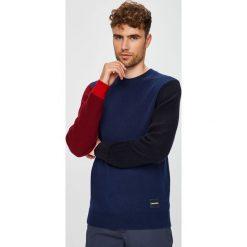 Calvin Klein - Sweter. Pomarańczowe swetry klasyczne męskie marki Calvin Klein, l, z bawełny, z okrągłym kołnierzem. Za 629,90 zł.