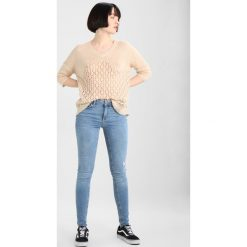 Pieces PCFIVE DELLY  Jeans Skinny Fit light blue denim. Niebieskie boyfriendy damskie Pieces. Za 199,00 zł.