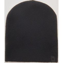 Czapka z błyszczącą nitką - Czarny. Czarne czapki zimowe damskie marki House. Za 19,99 zł.