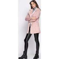 Różowy Płaszcz Trial. Czerwone płaszcze damskie zimowe marki Cropp, l. Za 159,99 zł.