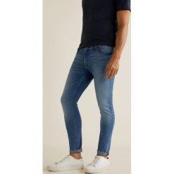 Mango Man - Jeansy Jude3. Niebieskie jeansy męskie regular Mango Man, z bawełny. Za 139,90 zł.