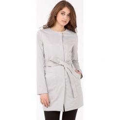 Płaszcze damskie: Minimalistyczny płaszcz z paskiem