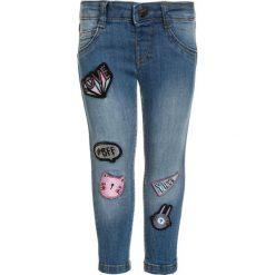 Mothercare BADGE  Jeans Skinny Fit denim. Niebieskie jeansy dziewczęce marki mothercare, z bawełny. Za 129,00 zł.