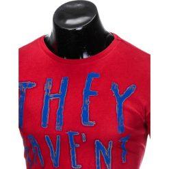 T-SHIRT MĘSKI Z NADRUKIEM S930 - BORDOWY. Zielone t-shirty męskie z nadrukiem marki Ombre Clothing, na zimę, m, z bawełny, z kapturem. Za 19,99 zł.