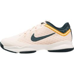Nike Performance AIR ZOOM ULTRA Obuwie multicourt guava ice/midnight spruce/sail/orange peel. Pomarańczowe buty do tenisu damskie Nike Performance. Za 379,00 zł.
