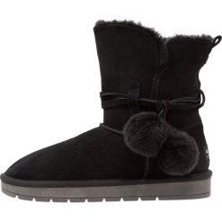 Pier One Botki black. Czarne buty zimowe damskie marki Pier One, z materiału. Za 249,00 zł.