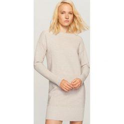 Długi sweter - Jasny szar. Szare swetry klasyczne damskie marki Reserved, l. Za 139,99 zł.