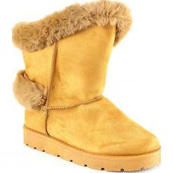 Kozaki zimowe w kolorze karmelowym. Szare buty zimowe damskie marki Marco Tozzi. W wyprzedaży za 113,95 zł.