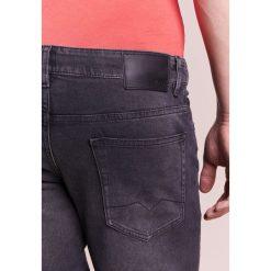 BOSS CASUAL Jeansy Slim Fit charcoal. Szare rurki męskie BOSS Casual, z bawełny. W wyprzedaży za 350,35 zł.