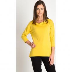 Żółta bluzka z luźnym golfem QUIOSQUE. Żółte bluzki asymetryczne marki QUIOSQUE, z dzianiny, biznesowe, z asymetrycznym kołnierzem, z długim rękawem. Za 139,99 zł.