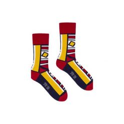 Moda na sukces - kolorowe skarpetki Spox Sox. Szare skarpetki męskie marki Spox sox, w kolorowe wzory. Za 20,00 zł.
