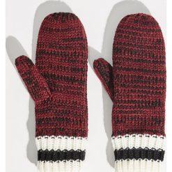 Rękawiczki z jednym palcem - Bordowy. Czerwone rękawiczki damskie Sinsay. Za 24,99 zł.