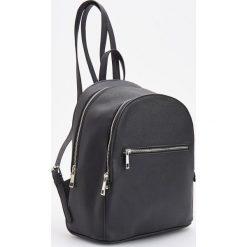 Elegancki plecak - Czarny. Czarne plecaki damskie Reserved, eleganckie. Za 89,99 zł.