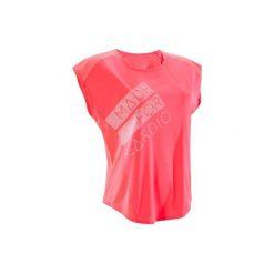 Koszulka fitness kardio krótki rękaw 120 damska. Czerwone bluzki sportowe damskie marki DOMYOS, z elastanu. W wyprzedaży za 24,99 zł.
