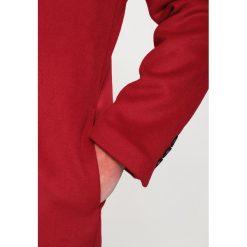 Topman OVERSIZE SINGLE BREAST   Płaszcz wełniany /Płaszcz klasyczny red. Czerwone płaszcze na zamek męskie Topman, m, z materiału, klasyczne. Za 509,00 zł.