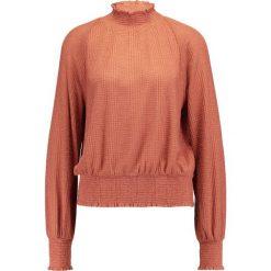 Swetry damskie: Free People BOULEVARD TOP Sweter coral