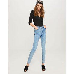 Jeansy damskie: Jeansy z wysoką talią - Niebieski