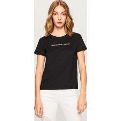 T-shirt z nadrukiem - Czarny. Czarne t-shirty damskie Reserved, l, z nadrukiem. Za 19,99 zł.