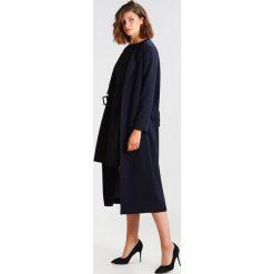 Sukienki hiszpanki: KIOMI Sukienka z dżerseju black