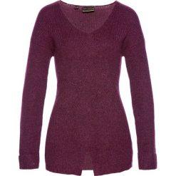 Sweter we wzór w warkocze bonprix jeżynowy. Fioletowe swetry klasyczne damskie bonprix, z dzianiny. Za 59,99 zł.