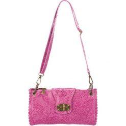 Torebki klasyczne damskie: Skórzana torebka w kolorze fuksji – 24 x 14 x 5 cm