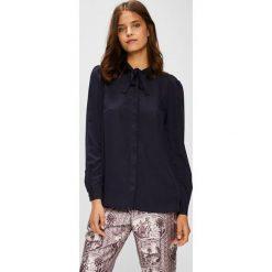 Silvian Heach - Koszula. Czarne koszule wiązane damskie marki Silvian Heach, l, z poliesteru, casualowe, z włoskim kołnierzykiem, z długim rękawem. W wyprzedaży za 229,90 zł.