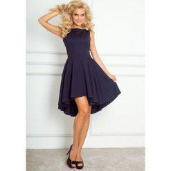 Monica Ekskluzywna sukienka z dłuższym tyłem - Granatowa. Niebieskie sukienki hiszpanki numoco. Za 112,00 zł.