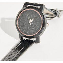 Zegarek z brokatową tarczą - Czarny. Czarne zegarki damskie marki Sinsay. Za 24,99 zł.