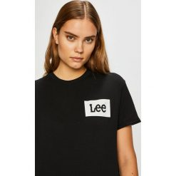 Lee - Top. Brązowe topy damskie marki Lee, l, z nadrukiem, z bawełny, z okrągłym kołnierzem. Za 89,90 zł.