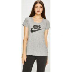 Nike Sportswear - Top sportowy. Szare topy sportowe damskie Nike Sportswear, l, z nadrukiem, z bawełny, z krótkim rękawem. W wyprzedaży za 84,90 zł.