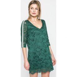 Answear - Sukienka SPORTY FUSION. Szare sukienki koronkowe marki ANSWEAR, na co dzień, m, casualowe, mini, proste. W wyprzedaży za 69,90 zł.
