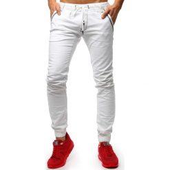 Joggery męskie: Spodnie joggery jeansowe męskie białe (ux1263)